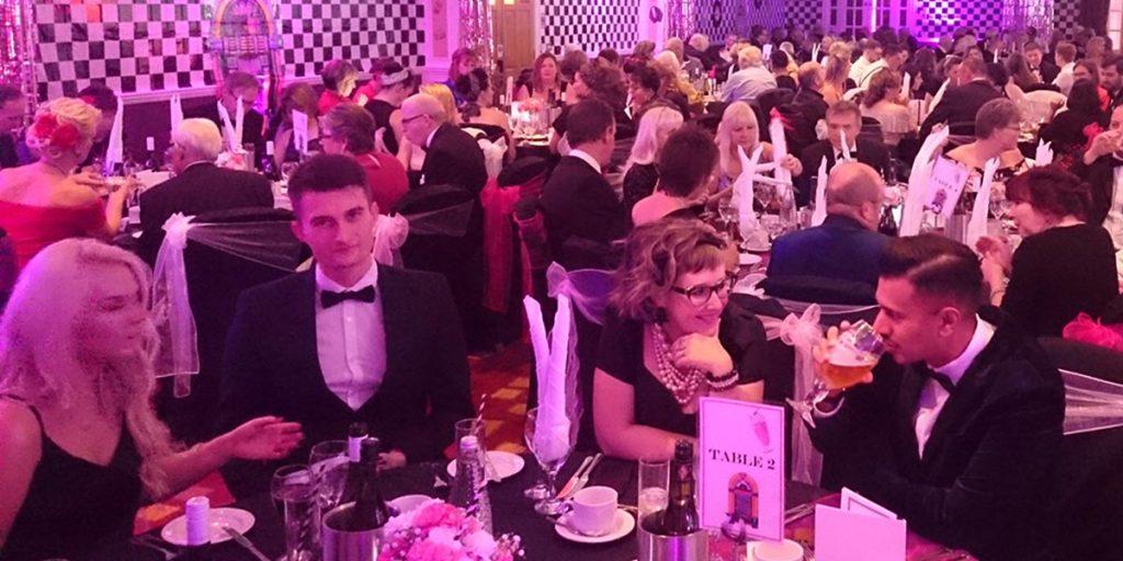 Hilton Avisford Charity Ball | Maroon Balloon